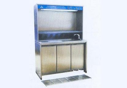 ;移动喷淋,带洗手池,粉碎机与感应式水龙头;配有长度刻度尺标;